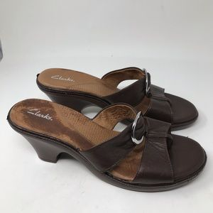 Clark's women's open toe leather sandals.